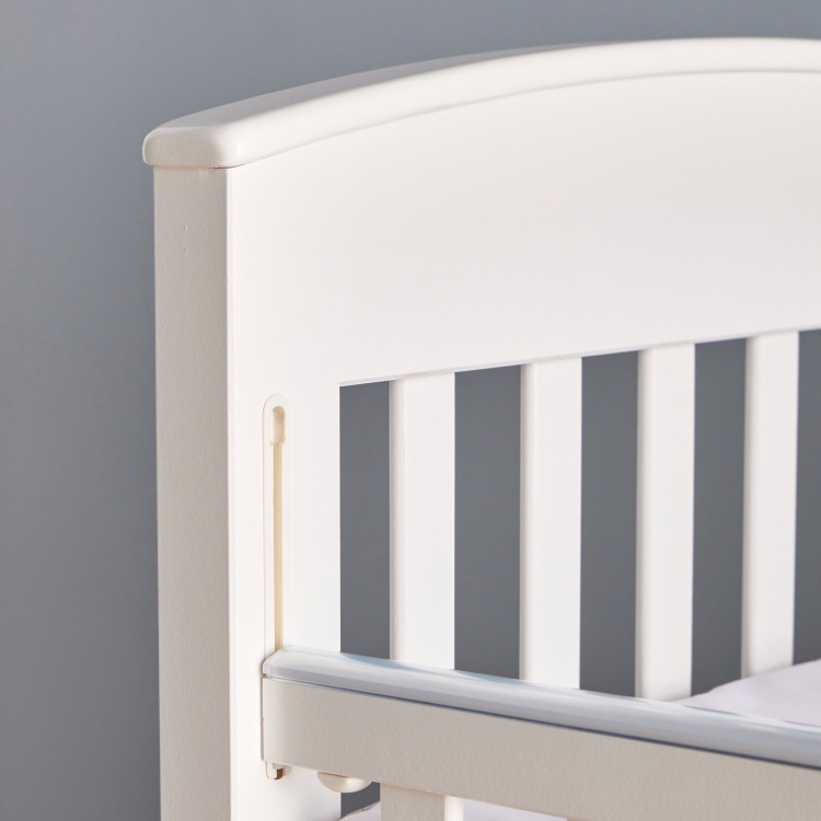 Giggles Marcia Baby Bed