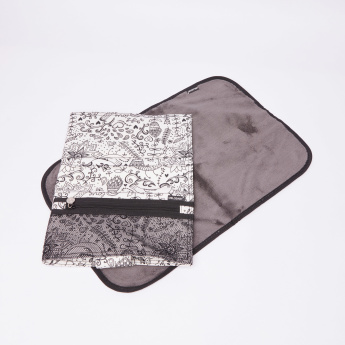 MELOBABY Printed All-in-One Diaper Bag