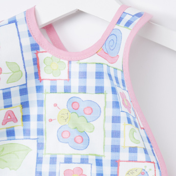 Juniors Printed Feeding Bib
