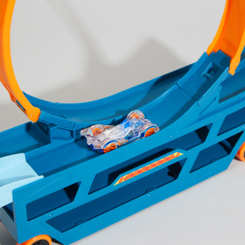 Mattel Hot Wheels Stunt and Go Hauler with Track