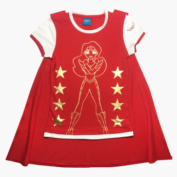 Wonder Woman Printed T-shirt with Short Sleeves and Cape
