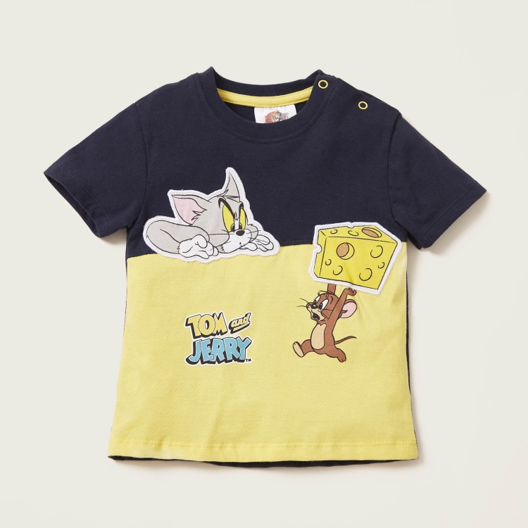 Tom & Jerry Graphic Print T-shirt and Shorts Set