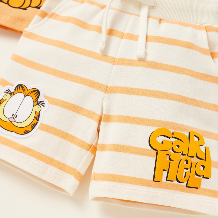Garfield Graphic Print T-shirt with Striped Shorts