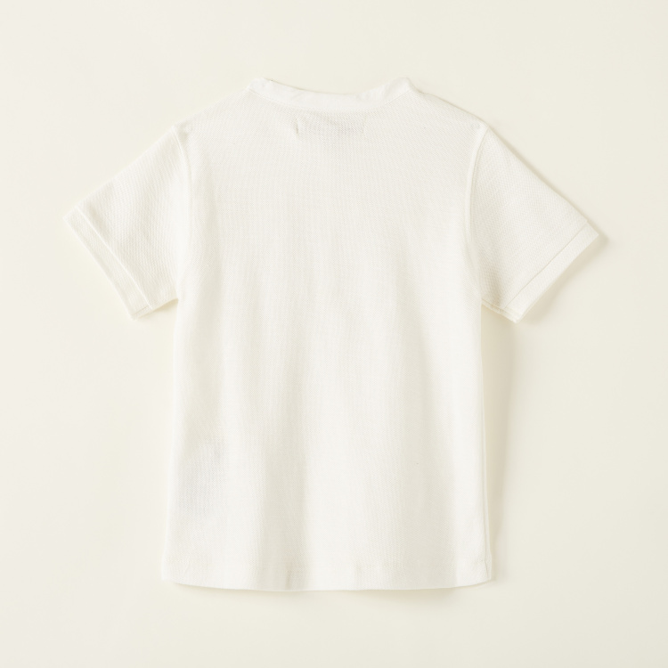 Solid Henley Neck T-shirt with Short Sleeves