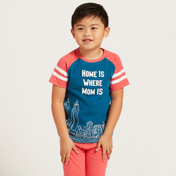 Juniors Graphic Print Raglan Sleeves T-shirt and Solid Pyjama Set