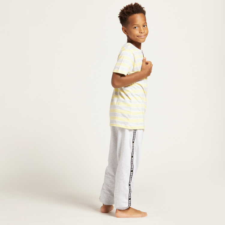 Juniors Striped Henley Neck T-shirt and Joggers with Tape Detail