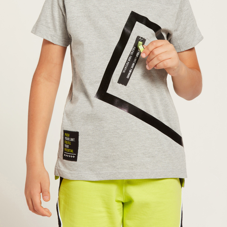 Juniors Graphic Print T-shirt with Round Neck and Zippered Detail