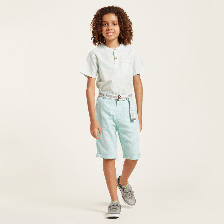 Eligo Solid Shorts with Pocket Detail and Zip Closure