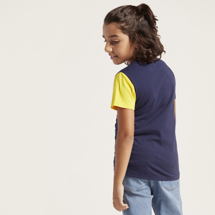 Bossini Pocket Detail T-shirt with Short Sleeves and Round Neck