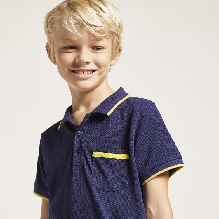 Bossini Solid Polo T-shirt with Short Sleeves and Chest Pocket