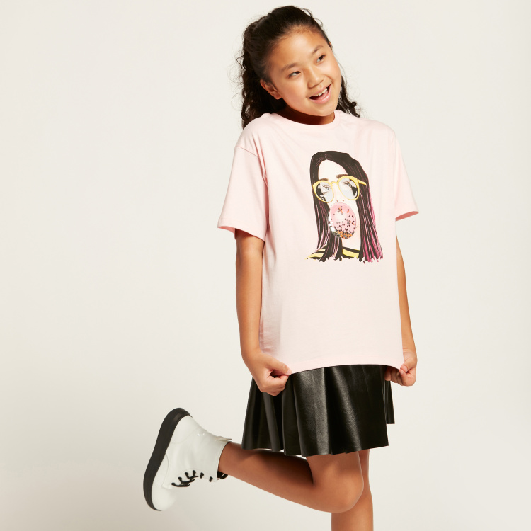 Iconic Graphic Print Oversized T-shirt with Short Sleeves