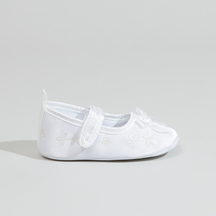Juniors Textured Shoes with Bow Detail