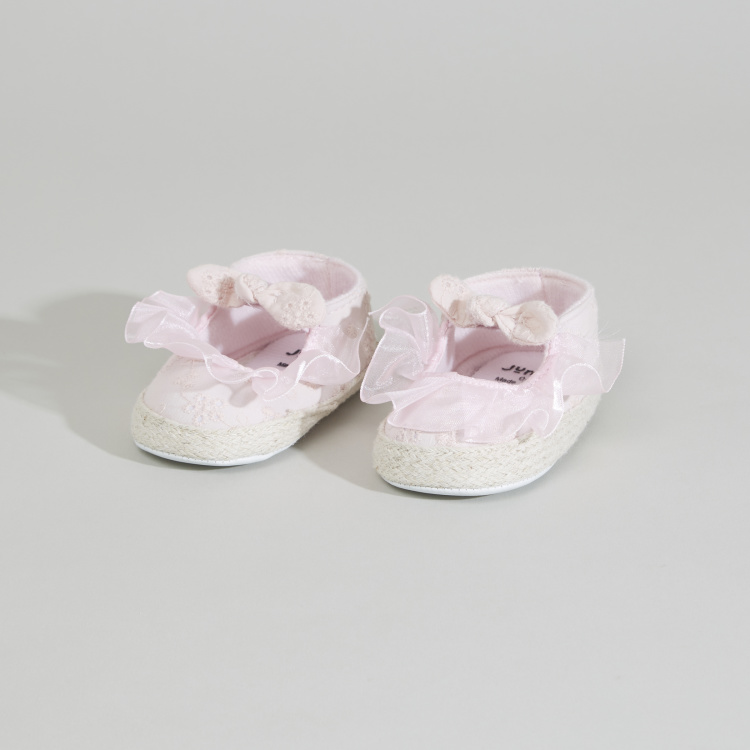 Juniors Textured Bow Applique Booties