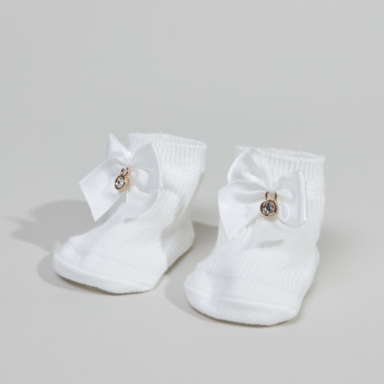 Giggles Textured Booties with Bow Applique