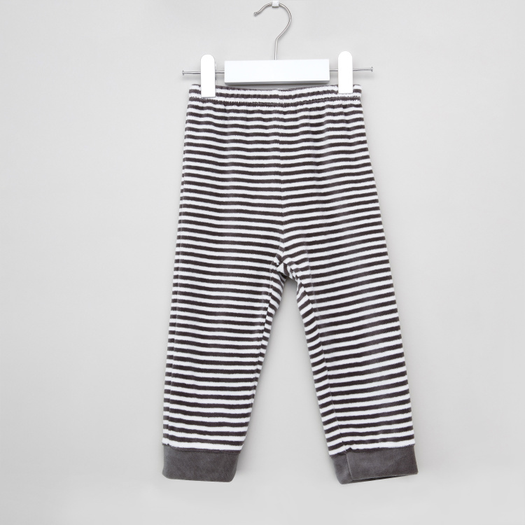 Juniors Textured T-shirt with Full Length Jog Pants
