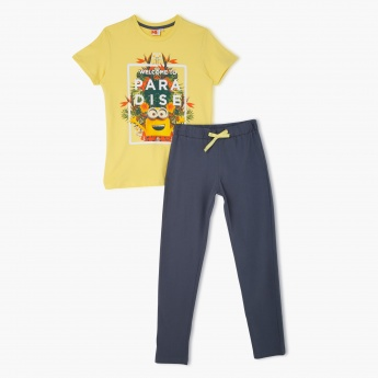 Despicable Me Print T-shirt and Pyjama Set