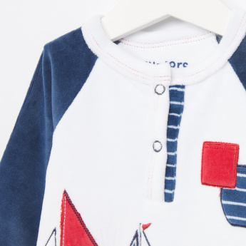 Juniors Yacht Printed T-Shirt and Striped Pants