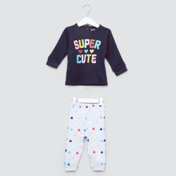 Juniors Applique Detail T-Shirt with Printed Jog Pants