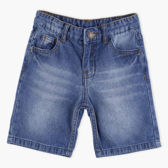 Juniors Pocket Detail Denim Shorts with Button Closure
