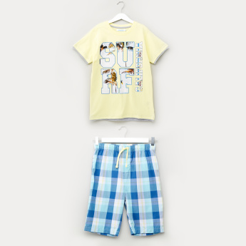 Juniors Printed T-Shirt with Chequered Shorts