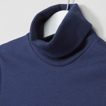 Juniors Textured Turtleneck T-Shirt