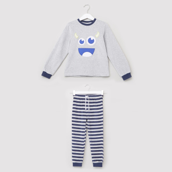 Juniors Embroidered T-Shirt with Striped Jog Pants