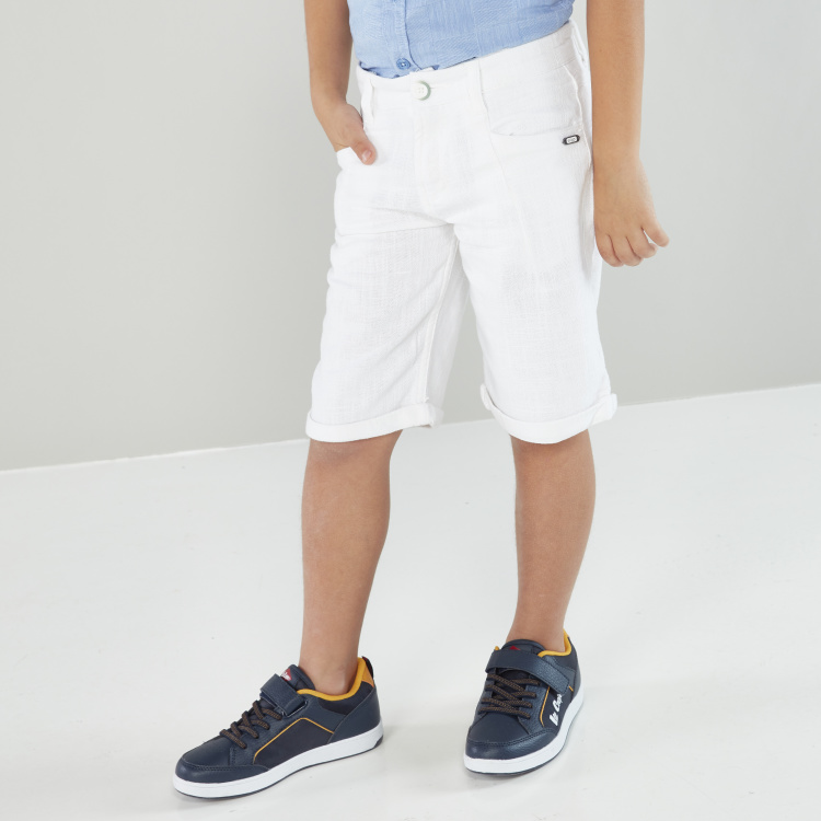 Eligo Solid Shorts with Pocket Detail