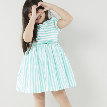 Juniors Striped Dress with Round Neck and Short Sleeves