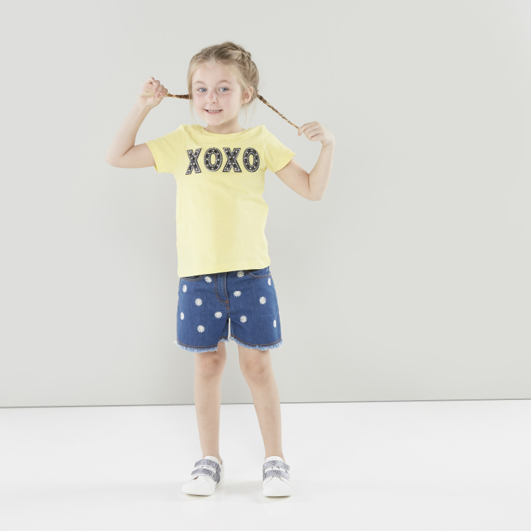 Juniors Embellished T-shirt with Round Neck and Short Sleeves