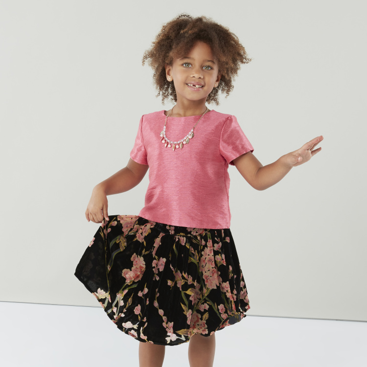 Juniors Solid T-shirt and Floral Printed Skirt Set
