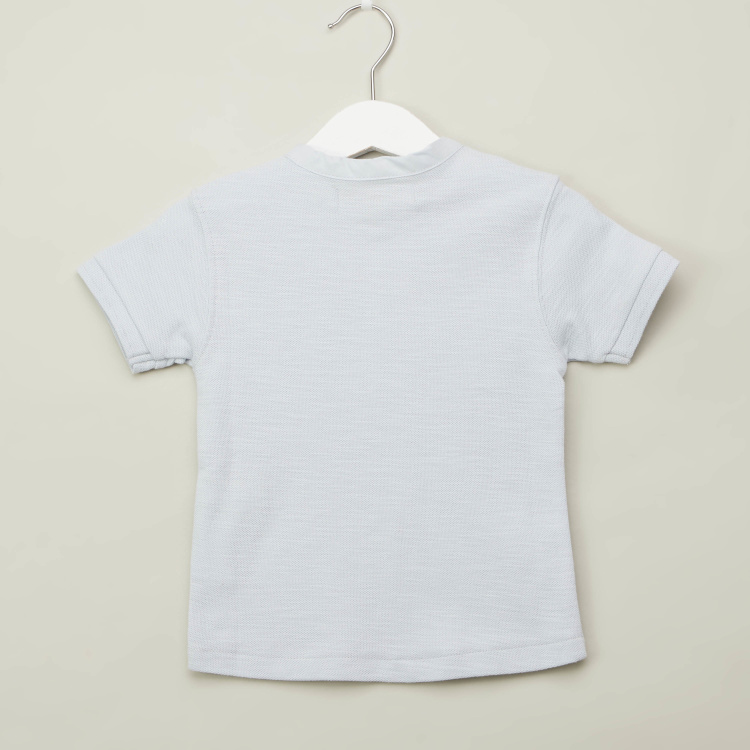 Eligo Solid T-shirt with Henley Neck and Short Sleeves