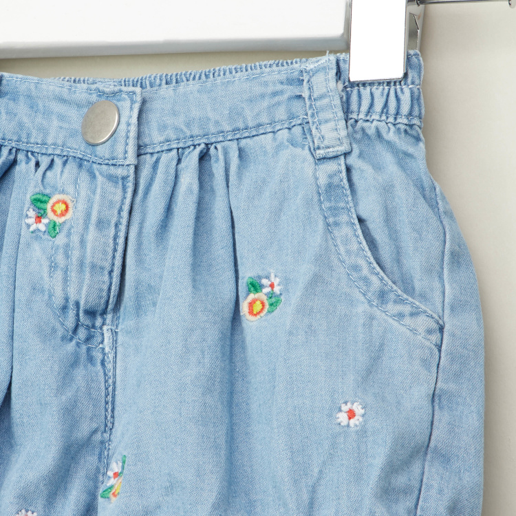 Juniors Embroidered Shorts with Pocket Detail