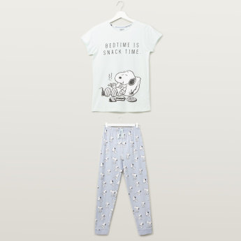 Snoopy Printed Round Neck T-shirt with Full Length Jog Pants