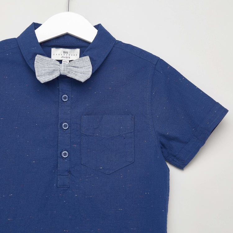 Juniors Textured Shirt with Short Sleeves and Chest Pocket