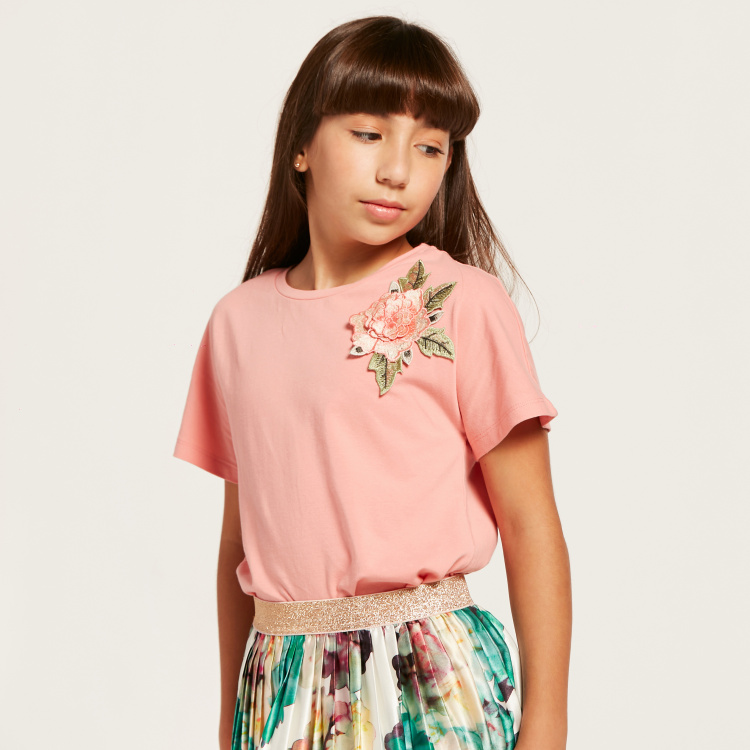 Juniors Floral Applique Detail T-shirt with Short Sleeves