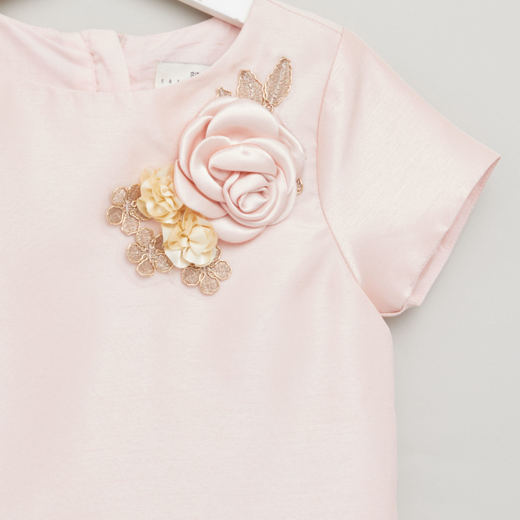 Juniors Flower Applique Detail Top with Round Neck and Short Sleeves