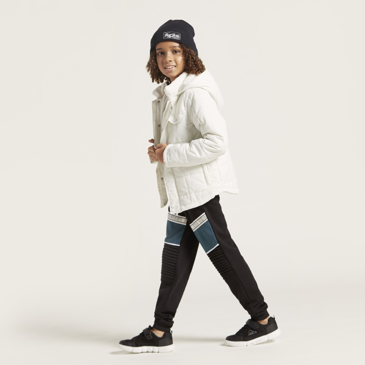 Juniors Quilted Jacket with Hooded Neck and Zip Closure