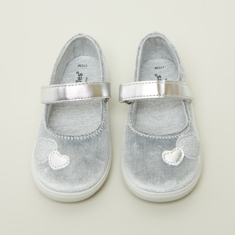 Giggles Textured Baby Shoes with Heart Embroidery